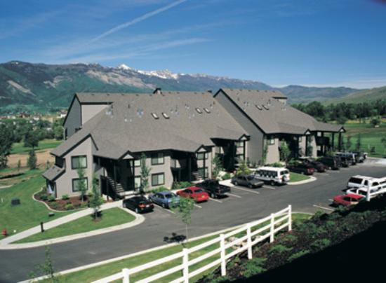 WorldMark Wolf Creek: Resort buildings
