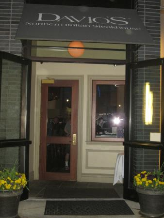 Davio's Northern Italian Steakhouse at Patriot Place: Outside Davios