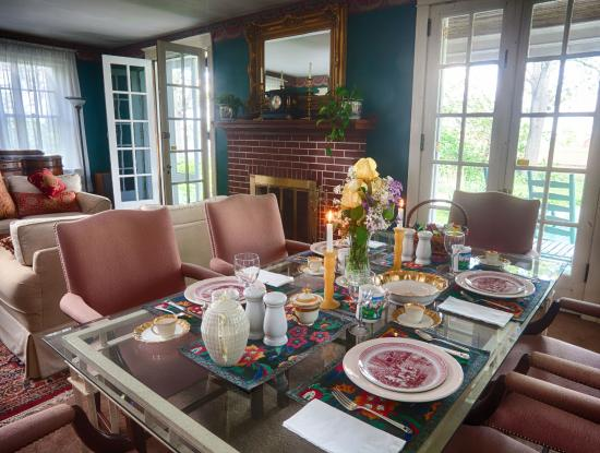 Candlelight Inn At Ronks Bed Breakfast