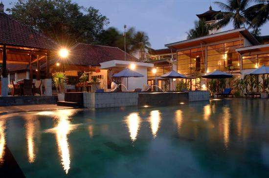 Villa Puri Ayu: Night View