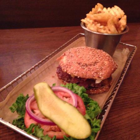 Harper's Burger Bar : photo1.jpg