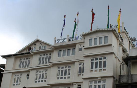 Hotel Sanderling: View of hotel from town