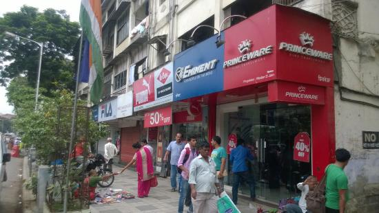 Parel Factory Outlet Market