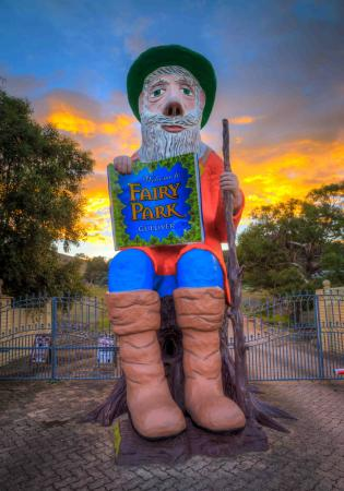 Anakie, Australia: Gulliver is waiting to say hello!