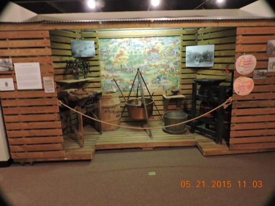 Shiloh Museum of Ozark History: Shiloh museum