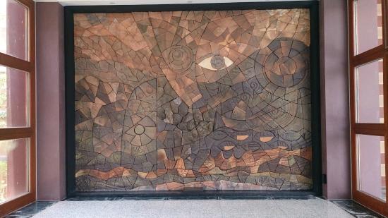 National Museum of Prehistory: 裝置藝術 - Public Art