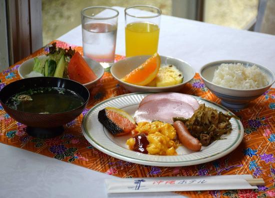 Okinawa Hotel: クーブイリチー、あんまーの味。