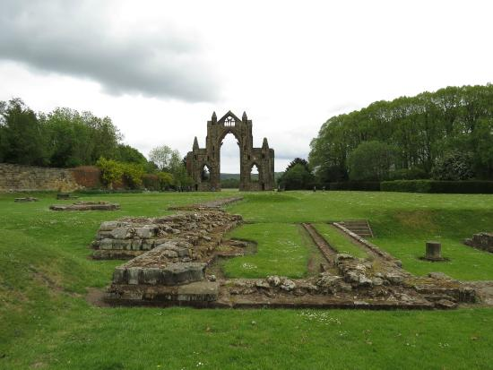 Guisborough Priory: Ruins