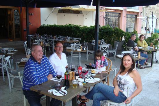 Bien manger entre amis picture of gululu restaurant for Manger entre amis