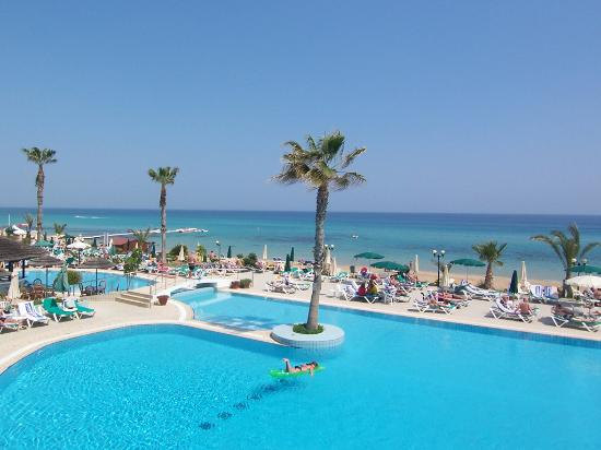 Sunrise Beach Hotel: Sunrise Beach & Pool