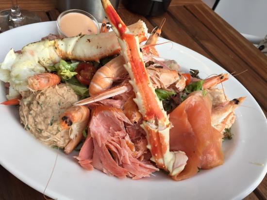 Deluxe plateau and oysters bild fr n the seafood bar for Seafood bar van baerlestraat amsterdam