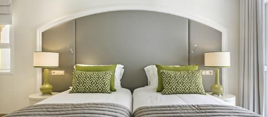 Four Seasons Fairways: Newlook Villa Guest Bedroom (Green)