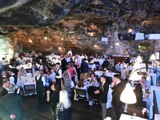 Grotta palazzese cena raduno ferrari foto di ristorante for Grotta palazzese restaurant menu