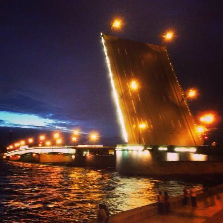 Liteiny Bridge: Литейный мост