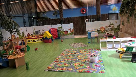 Yliharma, Finlandia: Lasten leikkihuone