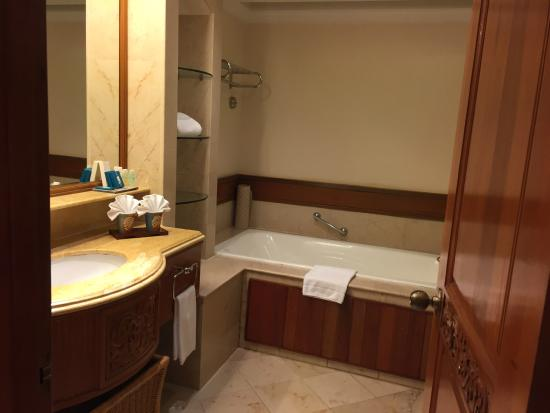 nexus resort spa karambunai the bathroom - Bathroom Accessories Kota Kinabalu