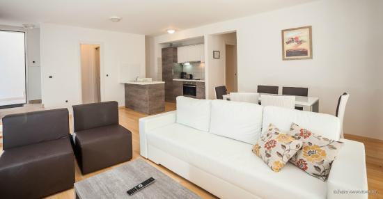Petrcane, Croácia: Living room