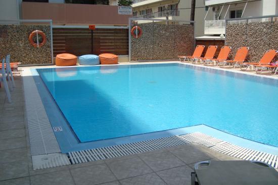 Majestic Hotel: Poolen på Hotel Majestic, Rhodos