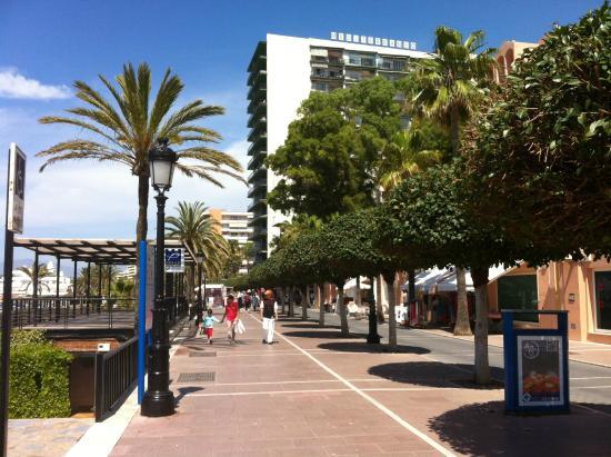 The central boardwalk avenida del mar picture of avenida - Boardwalk marbella ...
