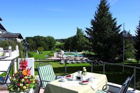 Hotel Tanneck: Blick von unserer Sonnenterrasse