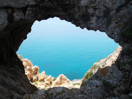 Varigotti, Italia: Grotta dei Falsari
