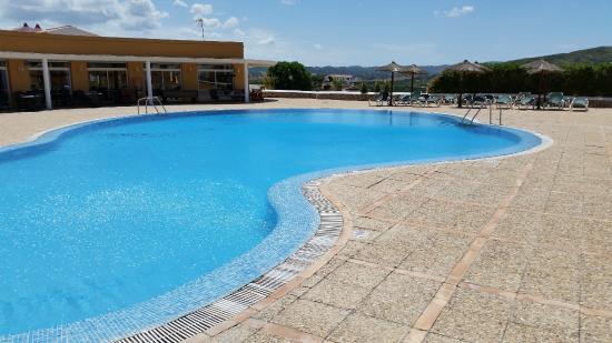 TRH Tirant Playa: Main pool looking across the bay
