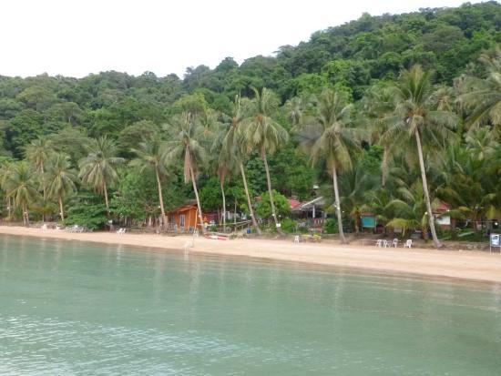 Koh Wai Pakarang Resort: Ko Wai Pakarang resort view from pier