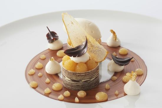 Bien-aimé La Poire-Chocolat, un des desserts de notre restaurant  HT44