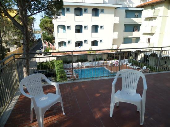 Hotel Savini Rimini : Vista dal balcone
