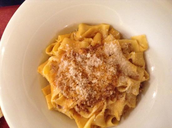 Sassofortino, Włochy: fettucine al ragù