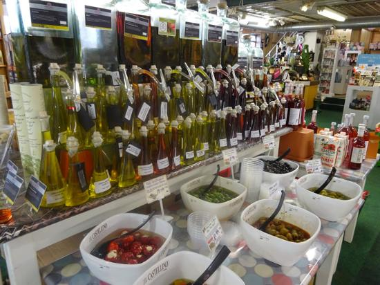 Park Farm Shop and Tea Rooms: Olives & Oils