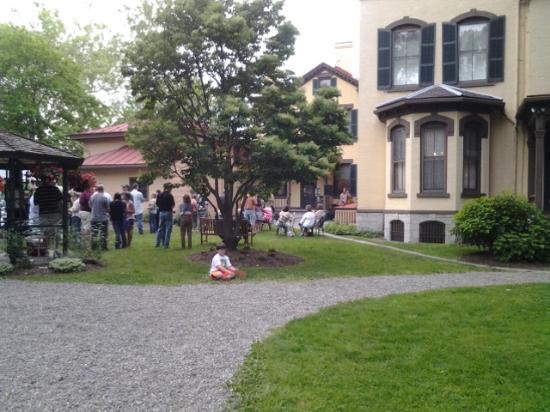 Seward House: yard