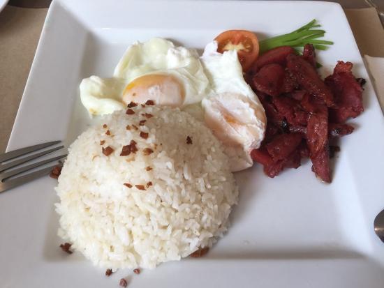Casa Pura Inn and Suites: Food taste great!