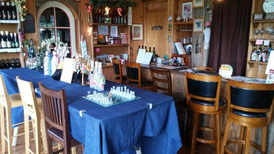 Amherst, Virginie : The tasting area and gift shop.