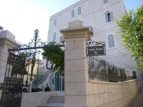 Casa Nova Hospice: Casa Nova Entry