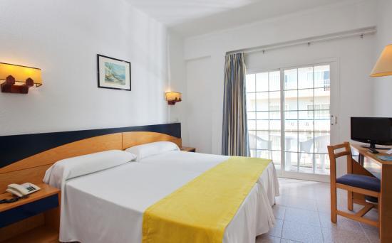 Hotel JS Horitzo: Room