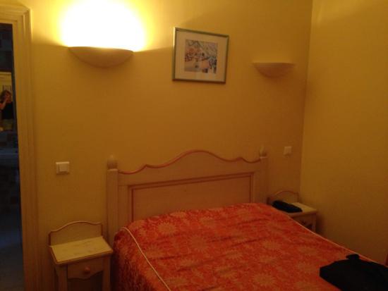 Hotel Les Palmiers: Hotel plein de charme, mais effort à faire sur ptits dej