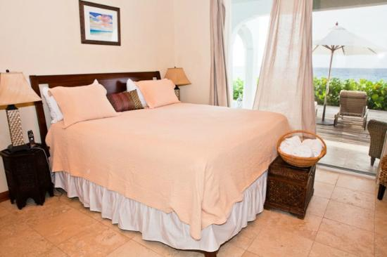 Meads Bay Beach Villas: Bedroom