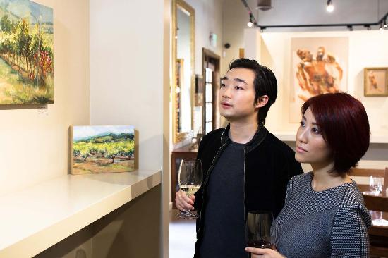 Yountville, CA: Taste Life Here with Art