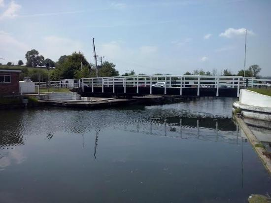 Gloucester and Sharpness Canal : Swing Bridge