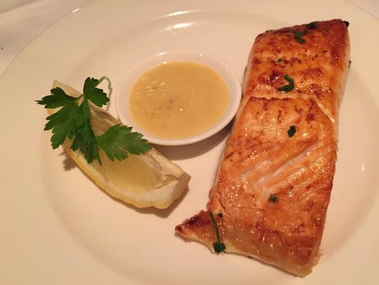 The Lobster Pot : Grilled Salmon