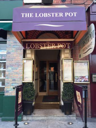 The Lobster Pot : The restaurant entrance