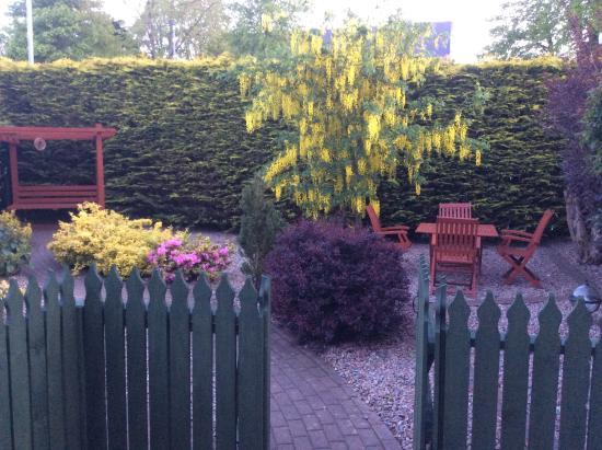 Dungiven, UK: Garden in full colour