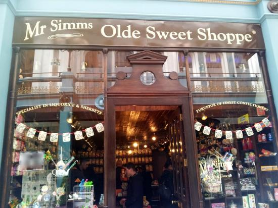 ‪Mr Simms Olde Sweet Shoppe‬