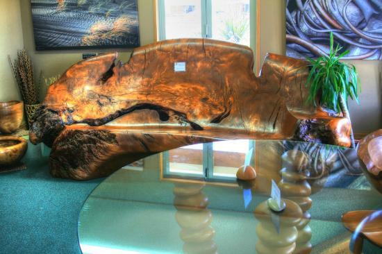 Ancient Kauri Kingdom : A nice wooden sofa