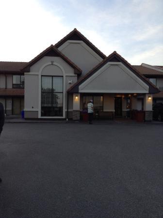 Comfort Inn Toronto Northeast Photo