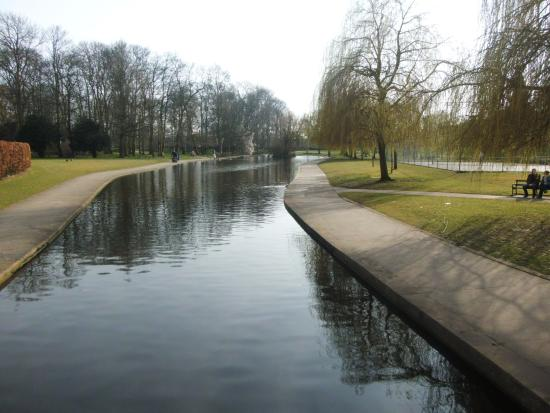 Rowntree Park: beautiful