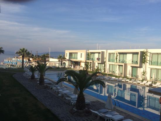 Window View - Lugga Beach Boutique Hotel Photo