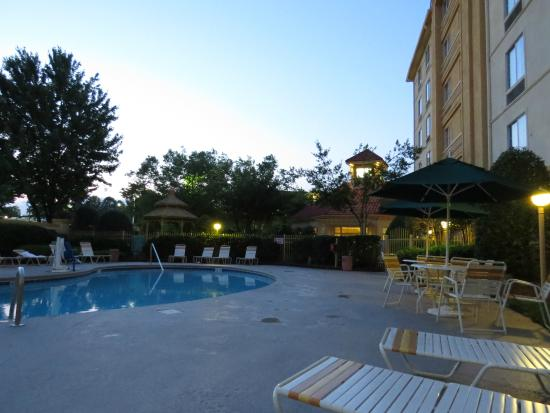 La Quinta Inn & Suites Greensboro: pool