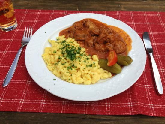 Wirtshaus Nattererboden: Veal Gulasch